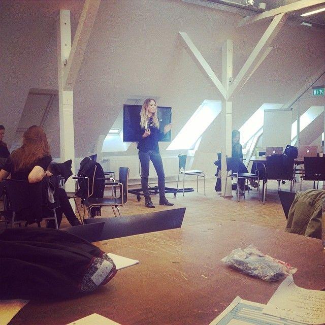 Lise Ulrich fortæller om at være freelancejournalist i modebranchen #KEAweekstory