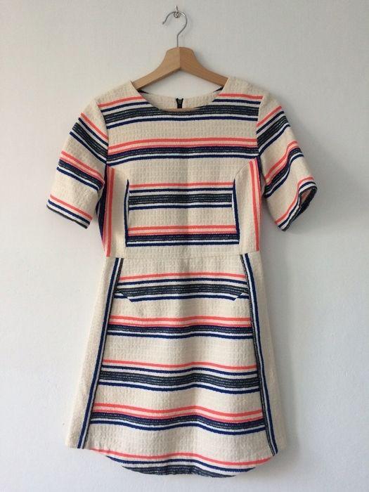 Topshop sukienka w paski rozmiar 36 topshop z mojej szafy! Rozmiar 36 / 8 / S za 49.00 zł. Zobacz: http://www.vinted.pl/damska-odziez/krotkie-sukienki/16708765-topshop-sukienka-w-paski-rozmiar-36.