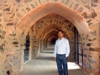 """मेरी यात्रा डायरी : """" किल्ली तो ढिल्ली भई, तोमर हुए मतिहीन """" दिल्ली का..."""