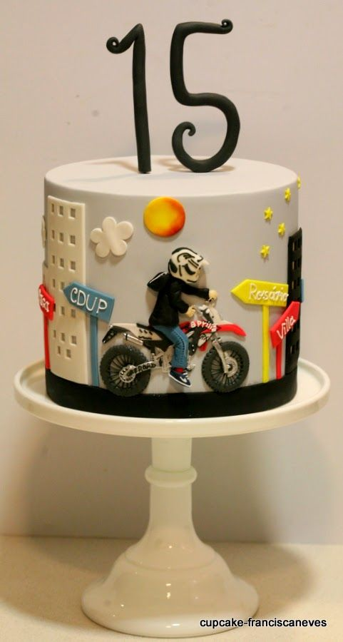 Cake for a motorcycle-loving guy (or gal).
