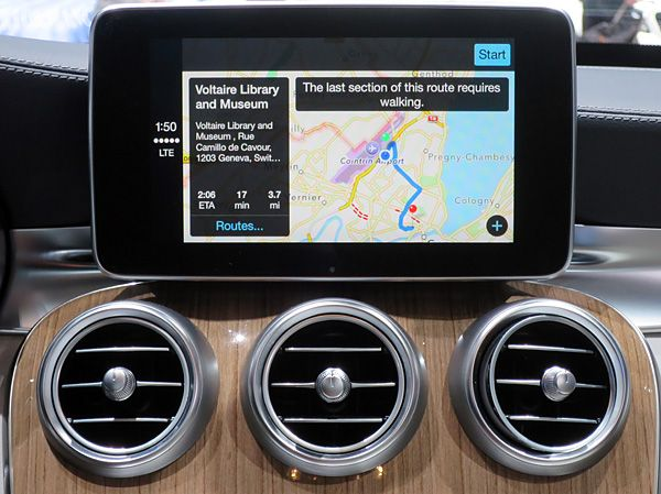 Geneva 2014: Hands On With Apple CarPlay and the 2015 Mercedes-Benz C-Class