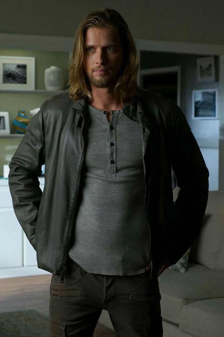 Jason-Pretty Little Liars, new look!                                                                                                                                                                                 Mais