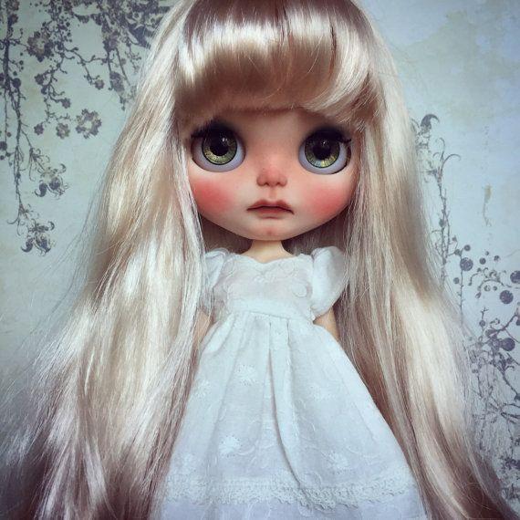 Custom Blythe umění Doll od Blythe & Shine OOAK. Blond vlasy.