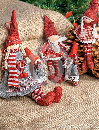 Tres muñecas de trapo de la Navidad                                                                                                                                                                                 Más