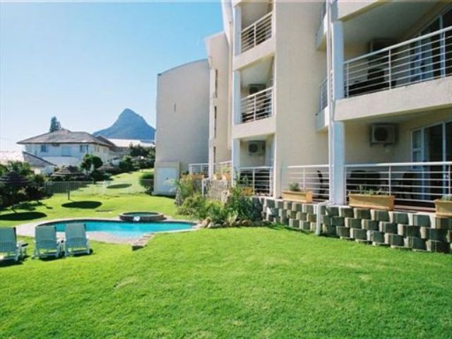 Self Catering Apartment Accommodation in Camps Bay | Camps Bay Apartments are self catering apartments situated in the Heart of Camps Bay with panoramiv views of the Cape Atlantic Coastline