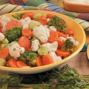 Italian Mixed Vegetables:  6 calories; 3/4 cup equals 51 calories, 1 g fat; Diabetic Exchanges: 1 vegetale