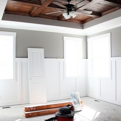 DIY coffered ceiling tutorial. We've talked about doing this - now I think we could do it ourselves!