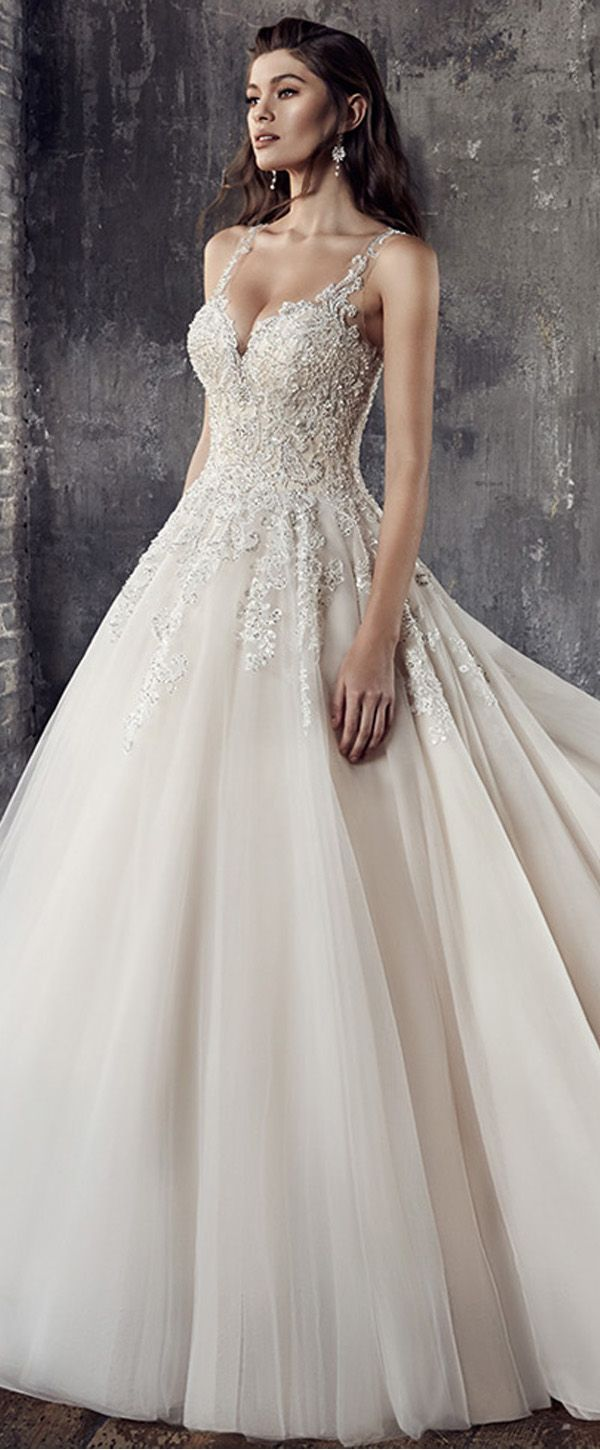 Brilliant Tulle V-neck Neckline A-Line Wedding Dresses With Beadings & Lace Appliques
