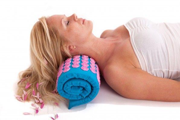 Heb jij wel eens last van stijve en vastzittende spieren in je nek en schouders?Slaap je onrustig en ben je vaak wakker?Vermoeide voeten na een lange dag werken of shoppen?Wil je meer rust in je hoofd en wat relaxter zijn?Kan jij je moeilijk ontspannen?Wel eens last van (spannings)hoofdpijn?Zou je ook wel meer energie willen als je wakker wordt ?Hoe klinkt dit? Na een lange dag werken even een boost van energie, zodat je weer fit de dag kan doorbrengen.Bestel dan nu.        …