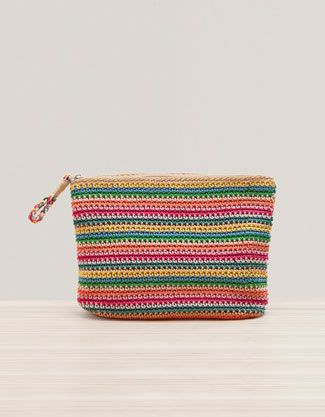 Crochet cosmetics bag - Oysho
