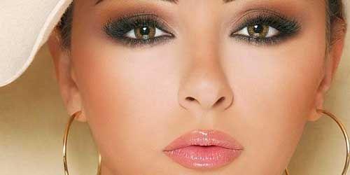como combinar smokey eyes en marron. Maquillaje ojos marrones verdosos.