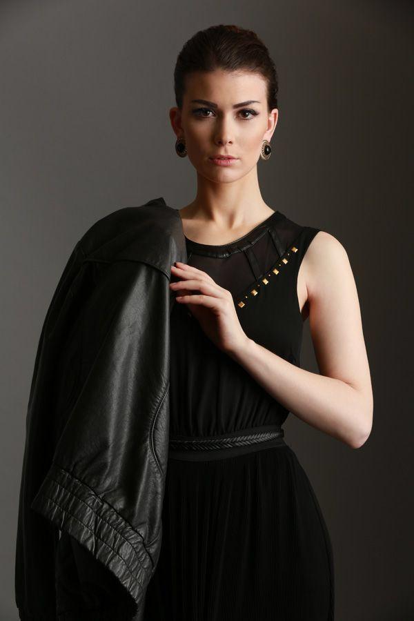Photographer: Alan Worsfold, Makeup artist: Alexandra Foreman, Model: Tyna Kottova (Coultish Management)