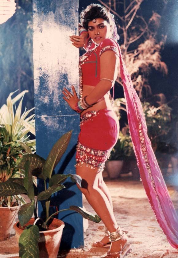 Silk Smitha's first job in tinseltown was very far from romantic; she worked as a touch-up girl for an artist.