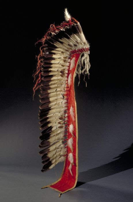USA ~ Oklahoma | Headdress from the Kowa people | Eagle feather/feathers (Golden eagle), eagle feather/feathers , wool cloth, muslin, glass bead/beads, horsehair, ermine skin/fur, fur, dye/dyes, hide, sinew, thread | ca. 1880