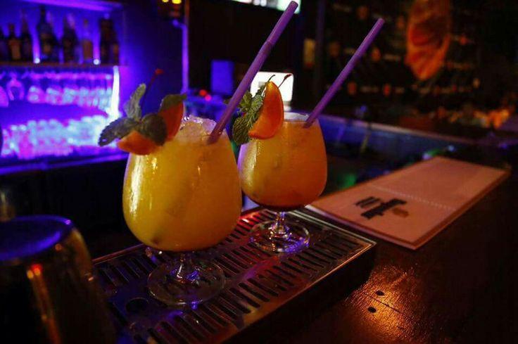 Daiquiri Cocktail AMARIN CAFE PHITSANULOK มาเป็นคู่ มันจะโรแมนติค และ สดชื่น