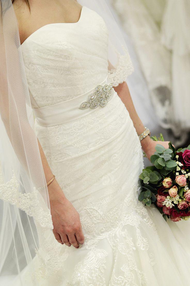fancy bridal belt || díszes menyasszonyi öv http://www.bridalmirage.hu/termekkategoria/menyasszonyi-ov/