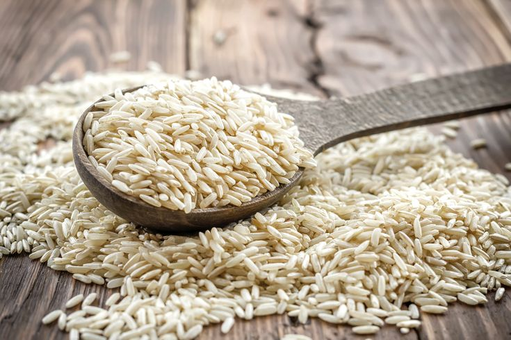 Er zijn zóveel verschillende soorten rijst in de supermarkt verkrijgbaar dat we het soms gewoon niet meer weten. Wat is nu precies het verschil tussen basmati en pandan, en bij welk gerecht past zilvervliesrijst precies het beste?Wij zochten dat en nog veel meer over de verschillende rijstsoorten voor je uit. Een schap vol soorten rijst, […]