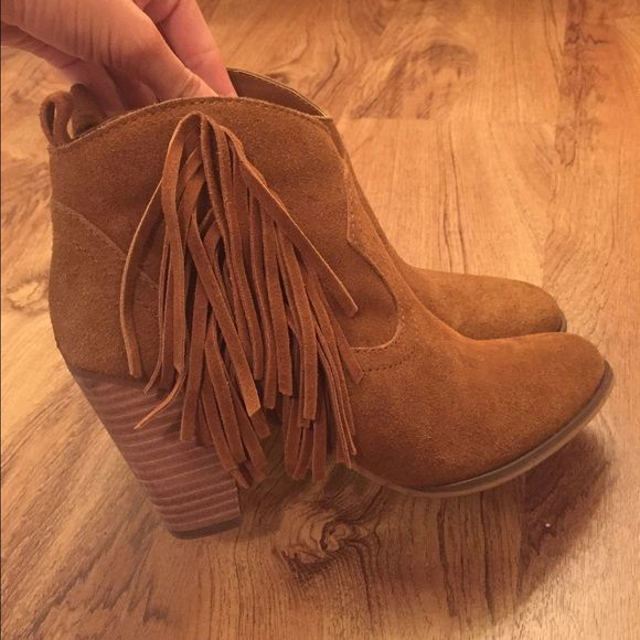 Steve Madden Ohio fringe bootie For less on Merc! Chestnut brown color,  true to size Steve Madden Shoes Ankle Boots & Booties