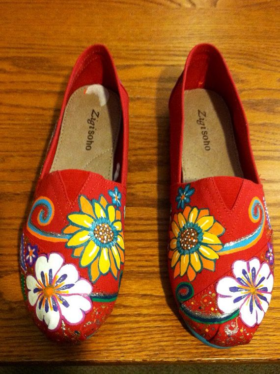 Paisley & Floral Toms like painted shoes por Lilduds en Etsy