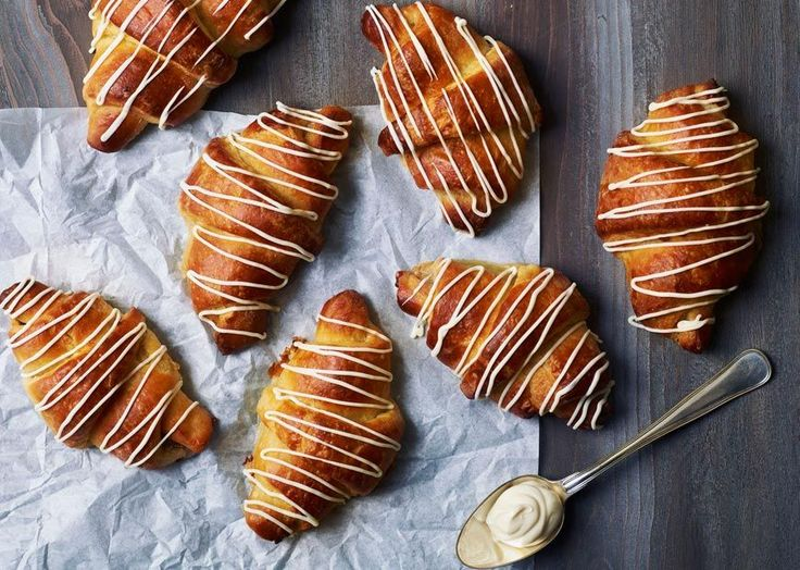Kærnemælkshorn med nougat og marcipanremonce: Cake, Med Nougat, Kærnemælkshorn Med, Mad, See The Recipe, Nougat Og, Og Marcipanremonce
