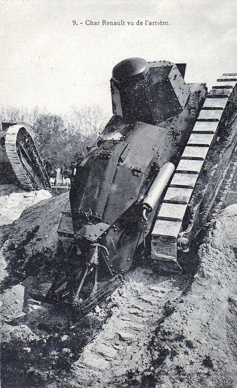 char renault F17 vue de l'arrière - Guerre 14/18