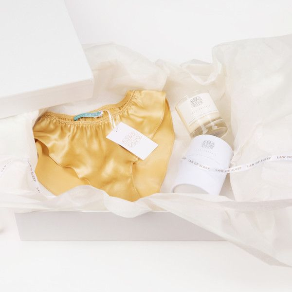 Pear & Freesia Candle with Aabahi Silk Knickers Gift Box