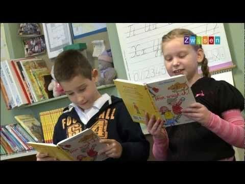 Toneellezen is een leuke vorm van samenlezen. Samen een toneelstukje opvoeren maar dan zonder podium. Bevordert leesplezier en het lezen met intonatie. Ook voor kinderen die lezen niet zo leuk vinden. Boeken op niveau E4 t/m E7