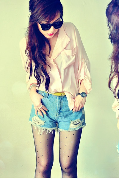 High waist shorts.: Button Up, Blouse, Style, Cute Outfits, High Waisted Shorts, Favorites, Waist Shorts, High Waist Short, Fashion Hair Beauty