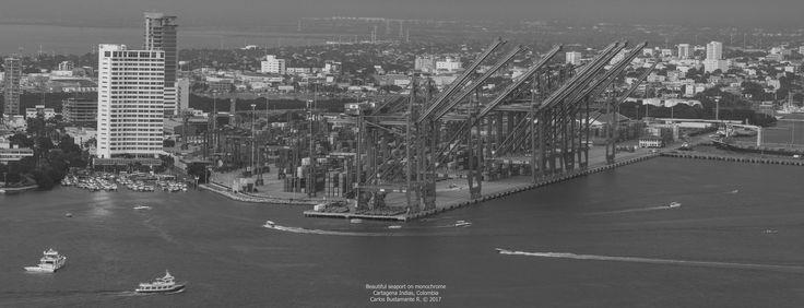 https://flic.kr/p/222CTyG | Beautiful seaport on monochrome