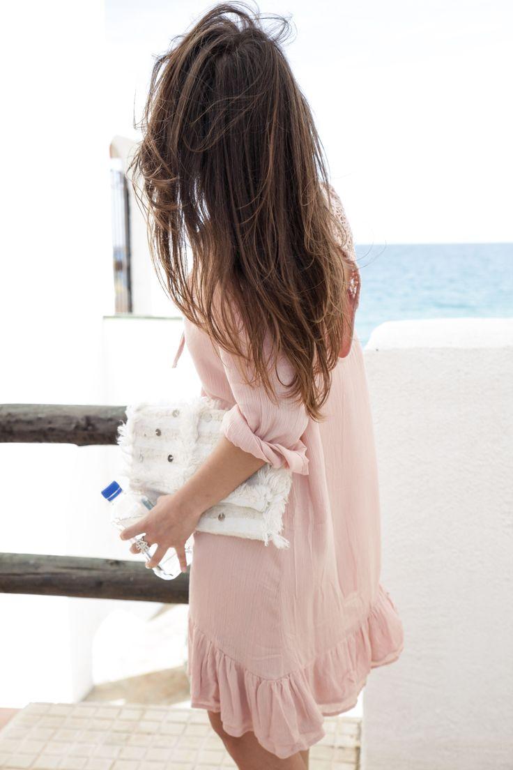 http://www.theguestgirl.com/2017/04/vestido-rosa-palo-danity-paris/ danity paris vestido rosa palo como combinar un vestido rosa palo primavera vestidos sandalias boho con borlas en crudo sandalias destalonadas con pompones look boho chic casual y chic zapatos para verano comodos sandalias tendencia de zara ss17 bolso moroccan agua fiji the guest girl theguestgirl influencer blogger de moda como combinar ideas de look verano