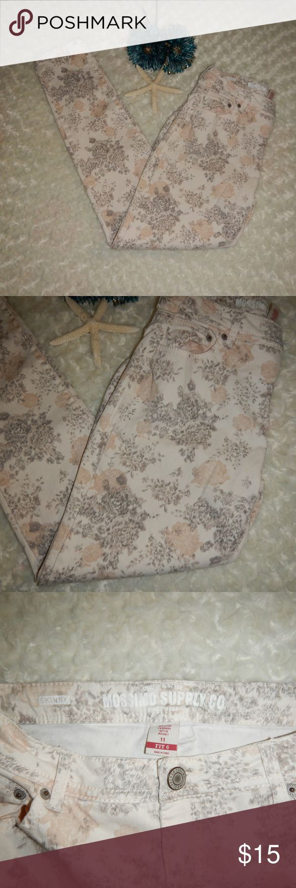 """Mossimo Skinny Floral Jeans Mossimo Supply Co. Womans Beige Floral Skinny Jeans Size 11 Fit 6 Waist: 14.5"""" flat Inseam: 30"""" Rise: 8"""" Mossimo Supply Co. Jeans"""