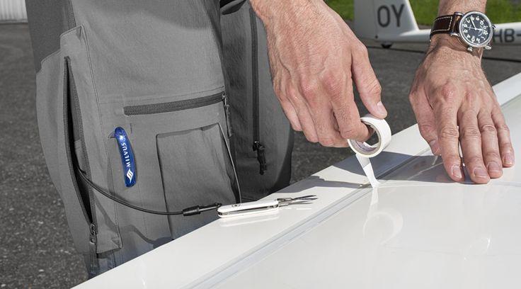 Seitentaschen mit Halterung für Schlüssel oder Messer.