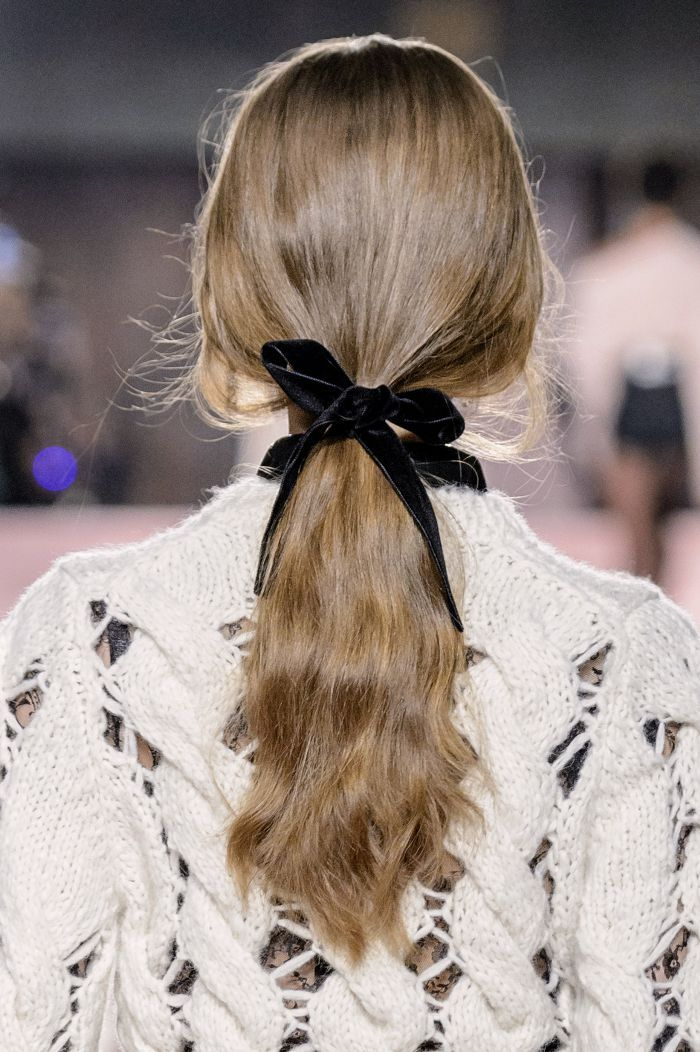 How to style your hair this Christmas? We've got a couple of ideas and round...