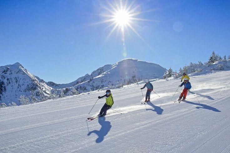 ØSTRIG: Sneen er så småt ved at indfinde sig i de østrigske alper, og flere destinationer har allerede fuld booket i de første uger af 2017. #ski #skiferie #rejser #Østrig #Alperne