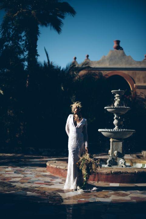 www.fluidadesign.com floral and Style. Al moudira location. Amber Chloe dress. lelia Scarfiotti photograph. Esotic elopement, wedding destination