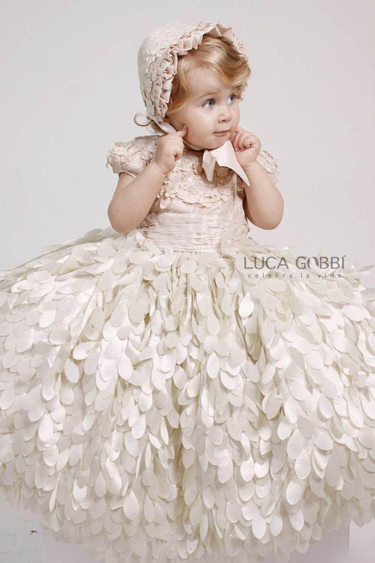 Hermoso Vestido para Ceremonia de Niña, y para toda Ocasión.  Más Detalles→ www.lucagobbi.com/coleccion/y25 #Vestido #Ceremonia #VestidoDeNiña