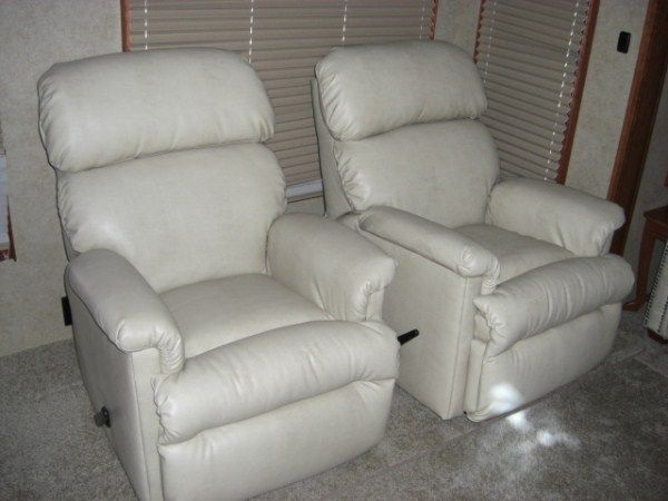 RV Recliner & Best 25+ Rv recliners ideas on Pinterest | Rv mods Caravan wheel ... islam-shia.org