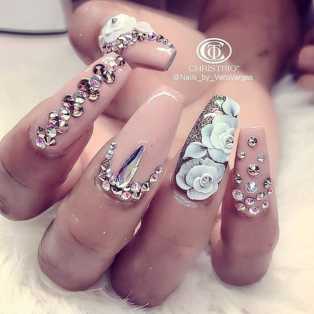Best 25 swarovski nails ideas on pinterest rhinestone nails follow me on pinterest envytaaliyah ig envytaaliyah prinsesfo Image collections