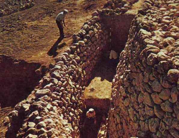The revetment wall at Hazor