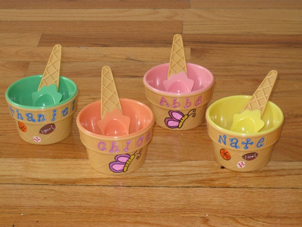 Personalized favors or things: Party Favors, Kparti Idea, K Party Idea, Favors Idea, Cute Idea, Personal Favors, Bowls Favors, Personal Ice Cream Bowls, Bday Idea