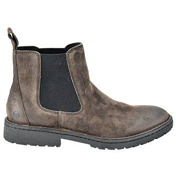 Born's Julian boot is short-cuffed and keep things relaxed while providing comfort and just enough support for dinner and/or a short sunset hike.