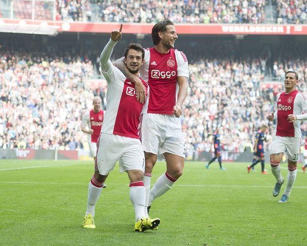 CM 8: Ajax - PSV (1-2)