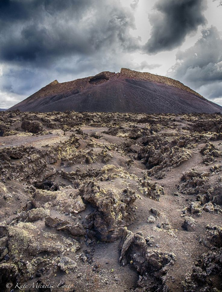 Volcán del Cuervo. Timanfaya National Park, Lanzarote, Canary Islands.