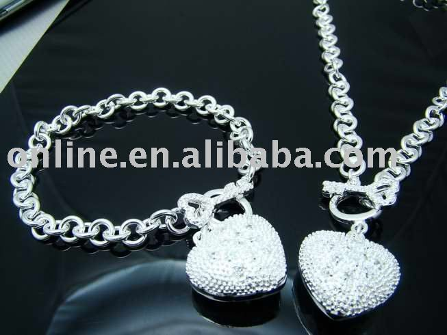 Цена от производителя Высокое качество посеребренные и штампованные 925 стразами в форме сердца брелоки для ключей ожерелье браслет для женщин оптовая продажа цена