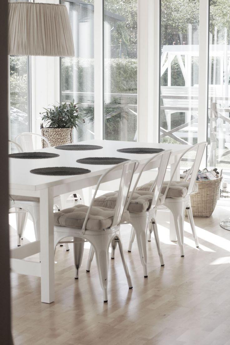 Http://lifessilverliningandi.blogspot.com livingroom, tolix, ikea, norden, diningroom, tinek