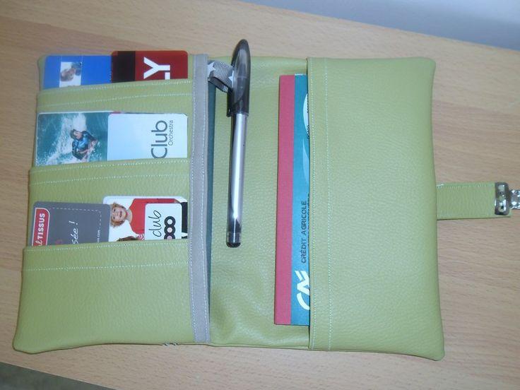 grand porte feuille  vert  de creations-d-un-jour sur DaWanda.com