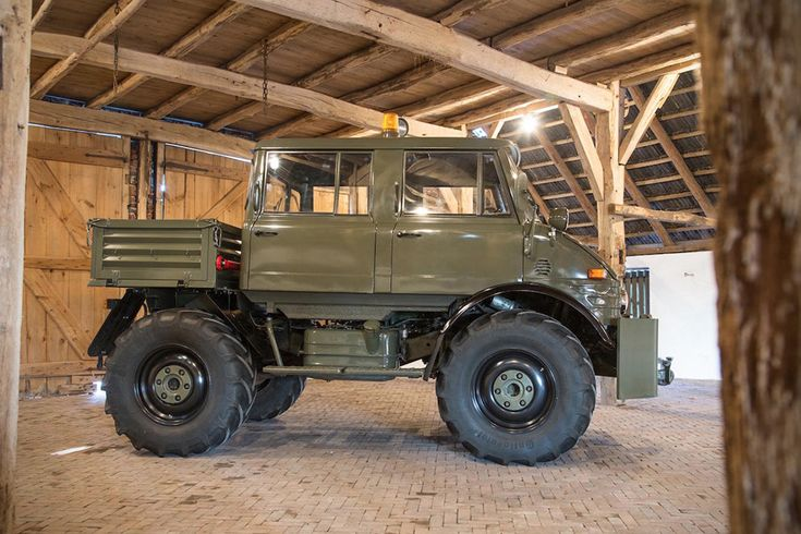 1983 Mercedes-Benz Unimog 406.101 2 - I don't LUST after this but I do something pretty close.