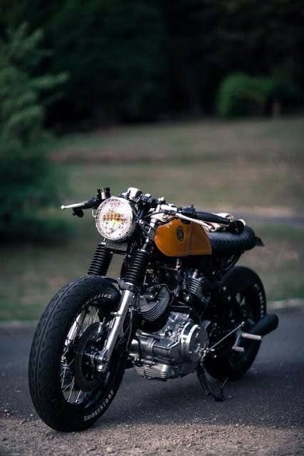 V-Twin Cafe Racer, new-wave, Yamaha (Virago XV750?)