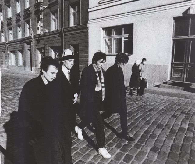 Gruppa Kino in Tallin, Estonia before their first Baltic concert, 1986. From left to right, Igor Tikhomirov, Georgii Gur'ianov, Viktor Tsoi, Yuri Kasparyan.