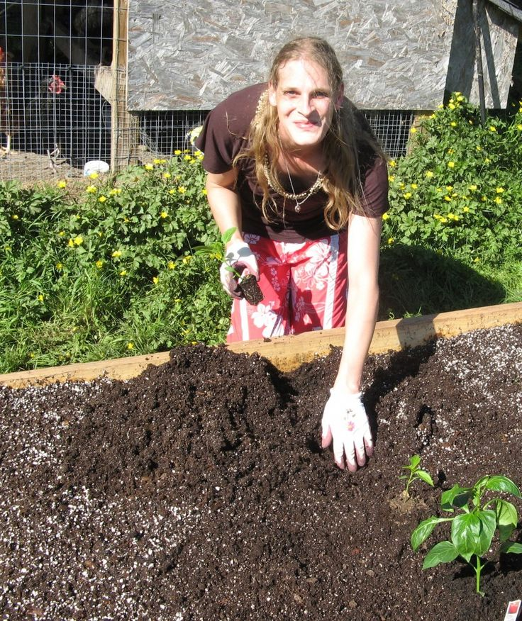 Morgyn_Planting_Peppers